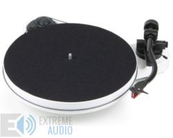 Pro-Ject RPM 1 Carbon analóg lemezjátszó /hangszedő nélkül./ fehér