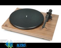 Pro-Ject Debut III Recordmaster lemezjátszó Ortofon OM-10E hangszedővel szerelve dió