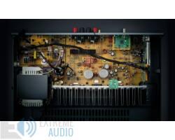 Yamaha R-N303D sztereó hálózati rádióerősítő MusicCast, ezüst